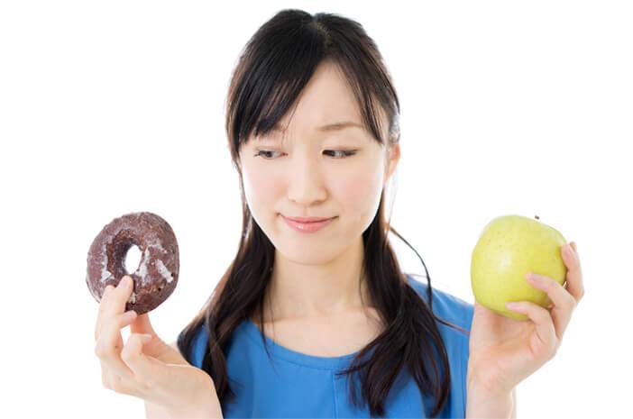 4 Makanan yang Tidak Boleh Dimakan Pengidap Kanker Laring