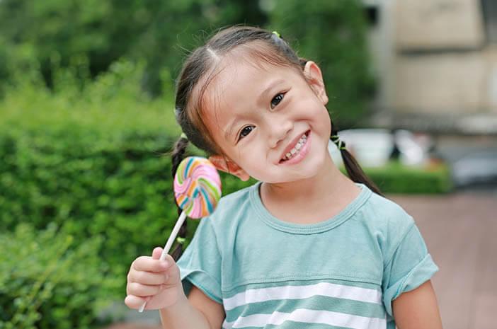 4 Tips Agar Anak Enggak Takut Imunisasi di Sekolah