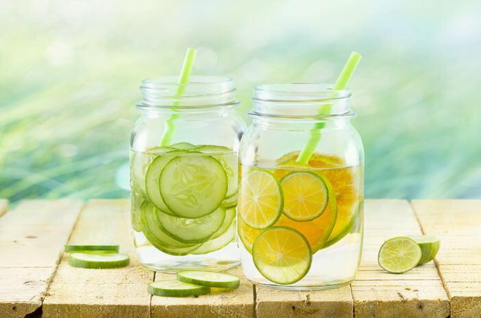 5 Buah untuk Detoks Infused Water yang Mudah Ditemui
