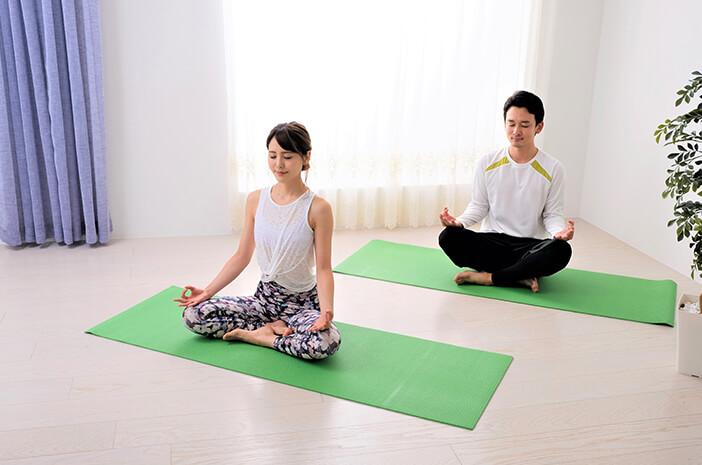 5 Gerakan Yoga Ini Buat Hubungan Intim Makin Intens