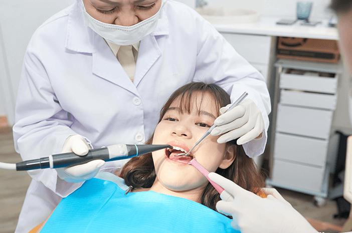 6 Komplikasi yang Bisa Ditimbulkan dari Operasi Gigi Bungsu