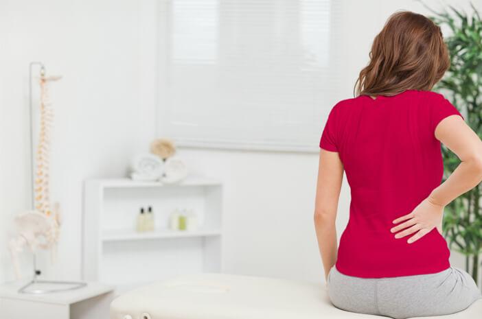 6 Penyebab dan Cara Mengatasi Nyeri Punggung Saat Menstruasi