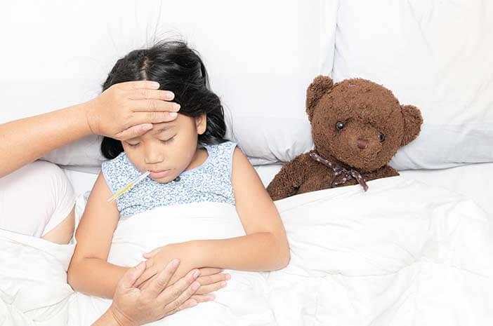 6-gejala-si-kecil-alami-leukositosis-halodoc