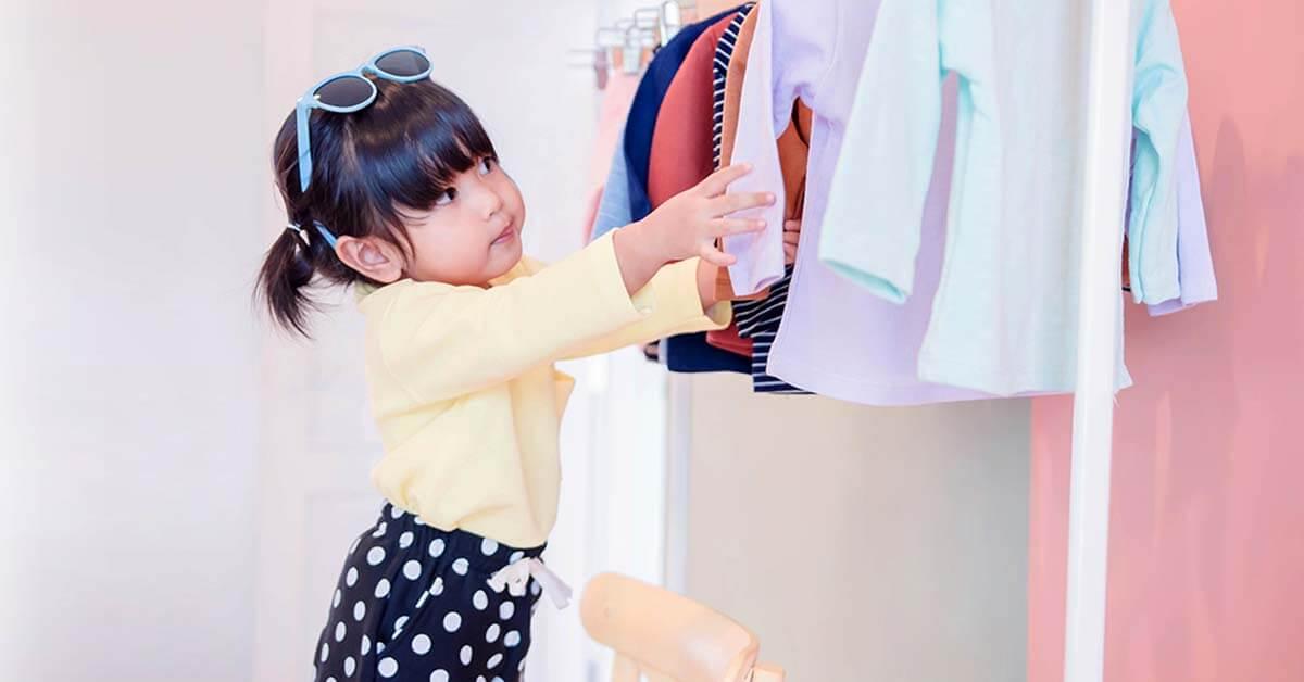 Biarkan Anak Memilih Bajunya Sendiri, Ini Alasannya