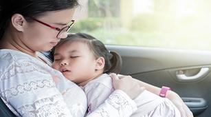Si Kecil Demam Saat Pulang Mudik, Ibu Perlu Lakukan 4 Hal Ini