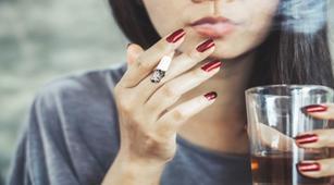8 Kebiasaan yang Menyebabkan Penyakit Liver
