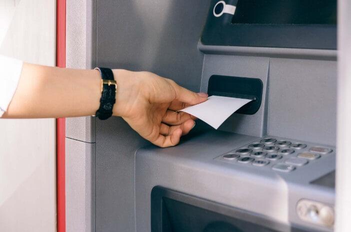 Simpan Struk ATM bisa Bikin Orang Kena Kanker