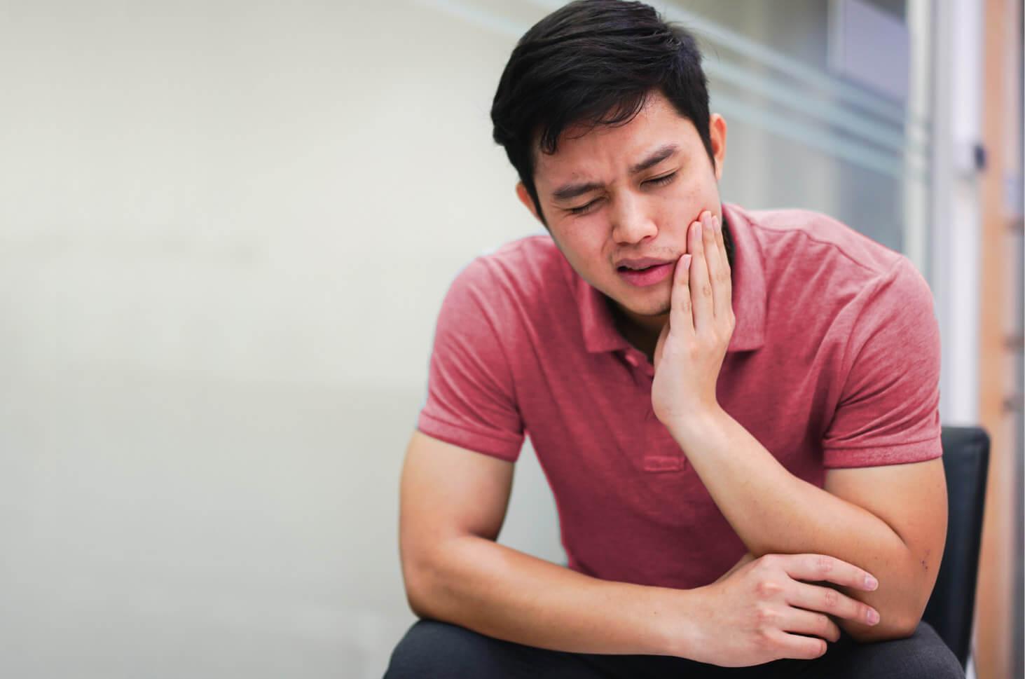 6 perawatan setelah operasi gigi bungsu