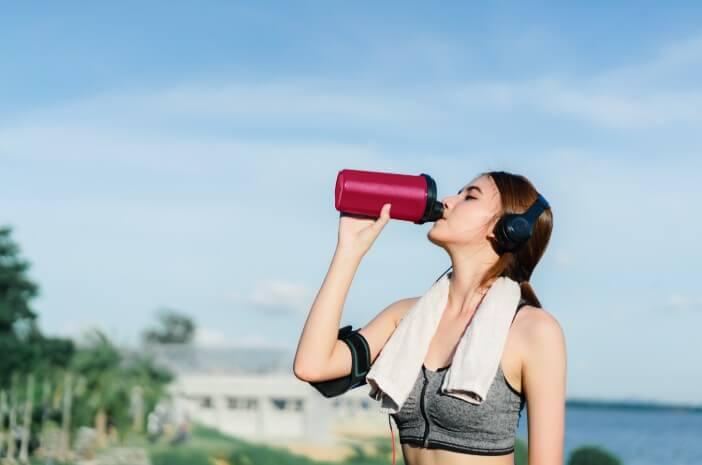 Agar Tak Dehidrasi, Inilah Takaran Konsumsi Air Saat Olahraga