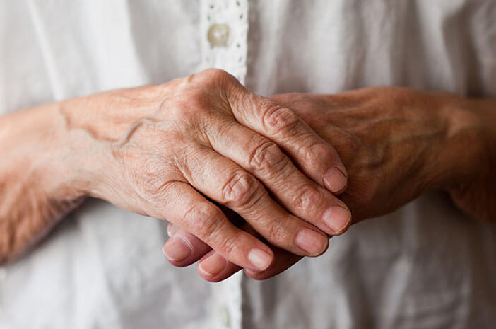 Alasan Orang Tua Lebih Rentan Terkena Artritis