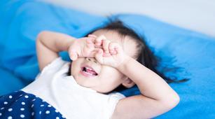 Anak Rewel Saat Bangun Sahur? Ini Kiat Mengatasinya