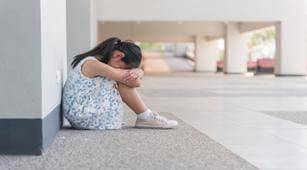 anak-yang-kesepian-cenderung-jadi-kleptomania-benarkah-halodoc