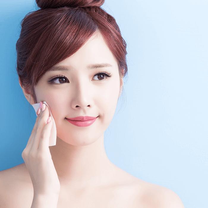 6 Tips Mengatasi Minyak Berlebih Pada Wajah