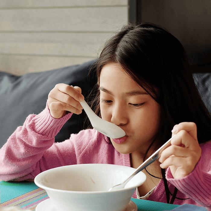 5 Cara Mudah Agar Anak Doyan Makan Sup