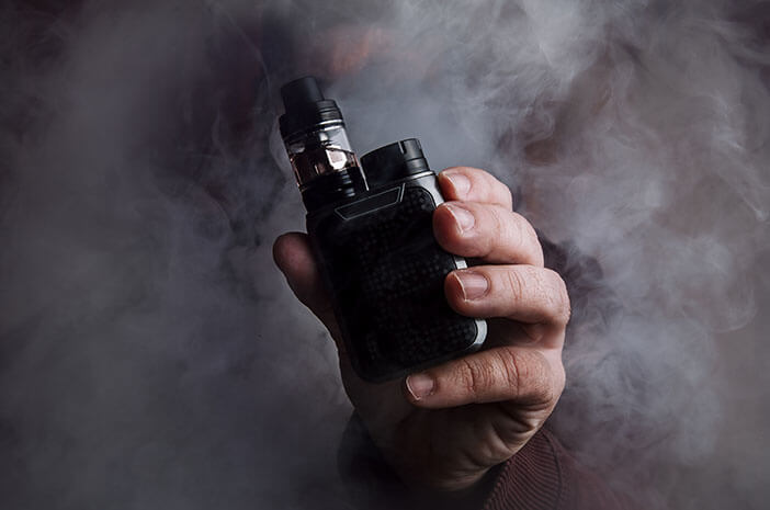 Beda Dengan Kretek, Ini Bahaya Rokok Elektrik