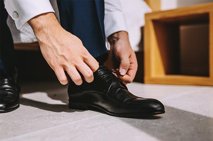 Benarkah Pakai Sepatu yang Kekecilan Picu Tarsal Tunnel Syndrome?