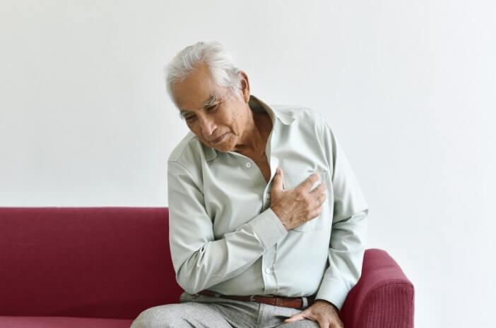 Benarkah Pengidap Paru Kronik Rentan Terkena Pneumonia?