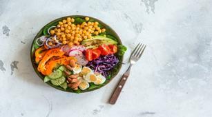 Bisakah Salad Kenyangkan Perut Saat Buka Puasa?