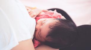 Bolehkah Konsumsi Obat Batuk Saat Ibu Menyusui?