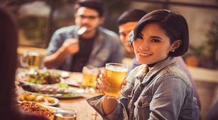 Begini Cara Menjaga Kesehatan Mulut dan Gigi untuk Alkoholik