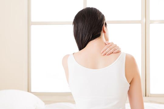 Enggak Perlu ke Dokter, Ini Cara Atasi Sakit Leher di Rumah