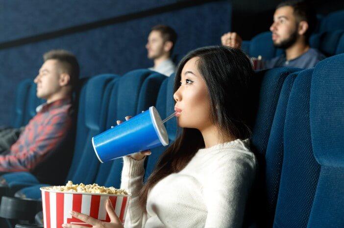 Film Avengers Berdurasi 3 Jam, Ketahui Efek Terlalu Lama Menonton Film