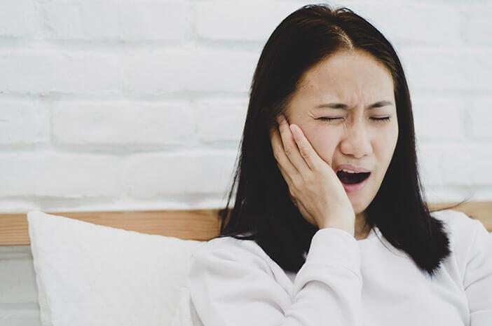 penyebab gigi ngilu