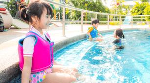 Hobi Berenang, Hati-Hati Parasit Feses di Kolam Renang