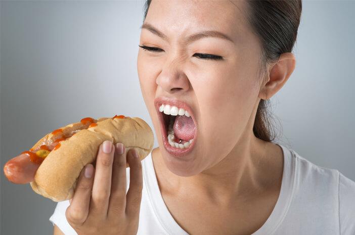 inilah-tanda-awal-mengidap-binge-eating-disorder-halodoc