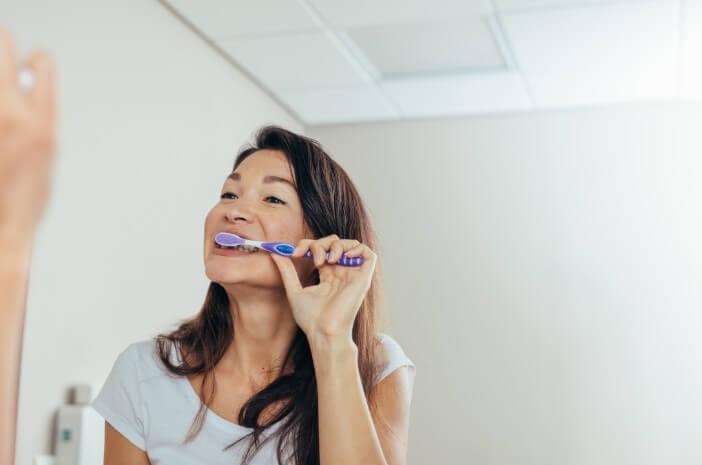 ini-tips-menjaga-kesehatan-gigi-dan-mulut-saat-puasa-halodoc