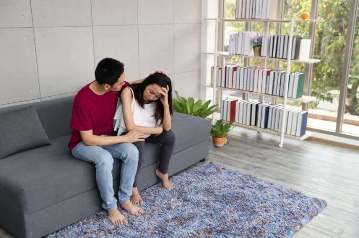 istri-alami-postpartum-depression-suami-bisa-lakukan-5-hal-ini-halodoc