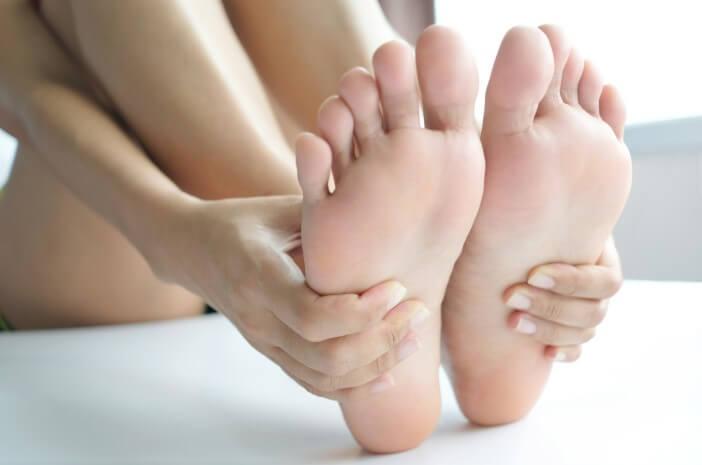 gejala arteri perifer, kaki sering dingin, kaki sering pucat