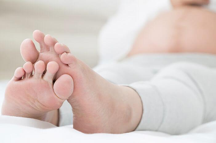 Kaki Bengkak Setelah Melahirkan, Normal atau Penyakit?