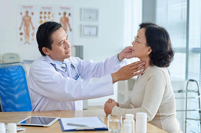 Kapan Seseorang Perlu Melakukan Pemeriksaan Nasal Endoskopi?