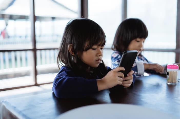 Kecanduan Smartphone, Ratusan Anak Masuk RSJ Cisarua