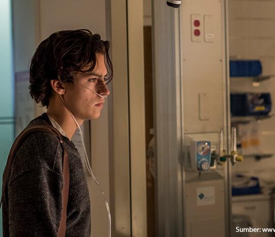 Kenalan dengan Cystic Fibrosis, Penyakit Langka dalam Film Five Feet Apart