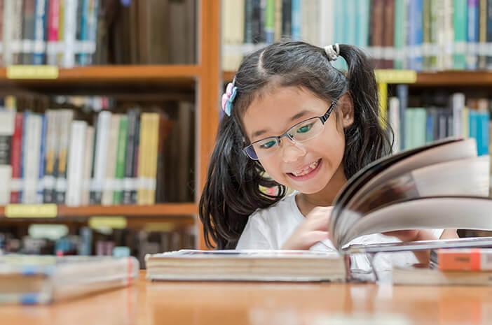 Ketahui Manfaat Mengajarkan Anak Bilingual