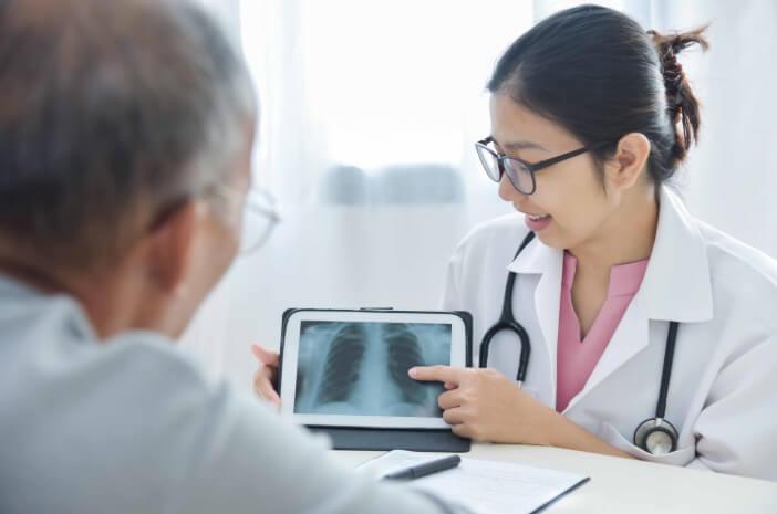 Ketahui Pengobatan Pleuritis Berdasarkan Penyebabnya