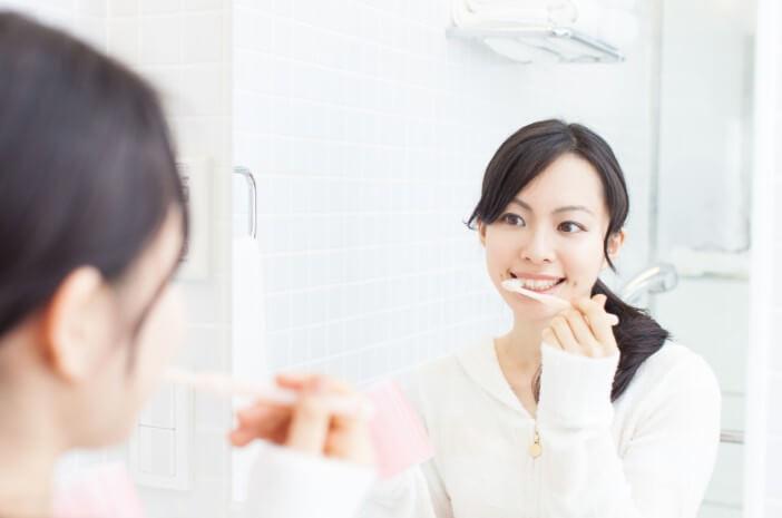 Ketahui Penyebab Terjadinya Karang Gigi