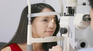 Ketahui Perawatan Rumahan untuk Atasi Neuritis Optik