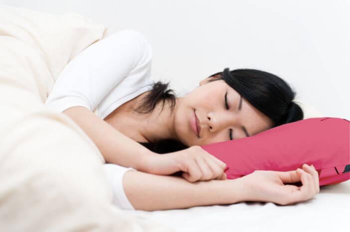 Ketahui Posisi Tidur yang Tepat untuk Pengidap OSA