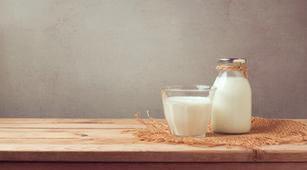 Konsumsi Susu Tinggi Kalsium Turunkan Risiko Radang Sendi?