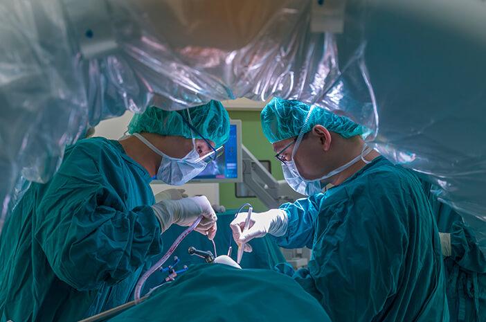 langkah-langkah-pengobatan-kanker-kolorektal-halodoc