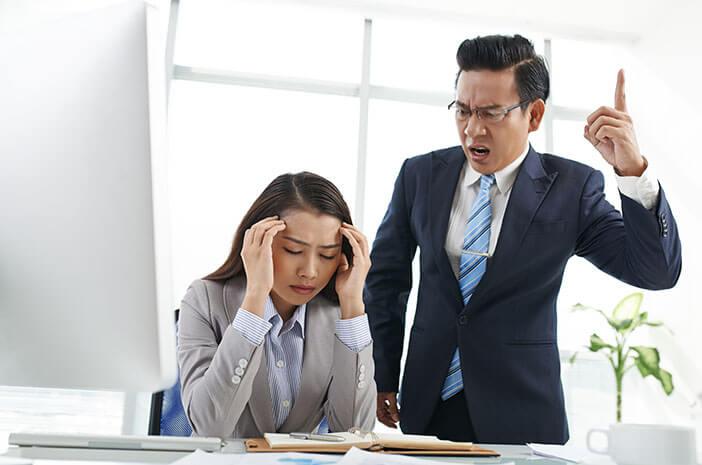 Lingkungan Kerja yang Bossy Bisa Membuat Stres