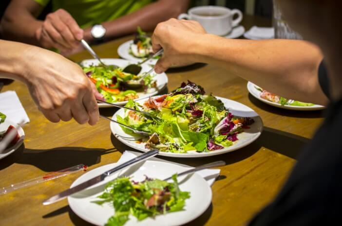 Makanan Buka Puasa yang Baik untuk Kesehatan Reproduksi