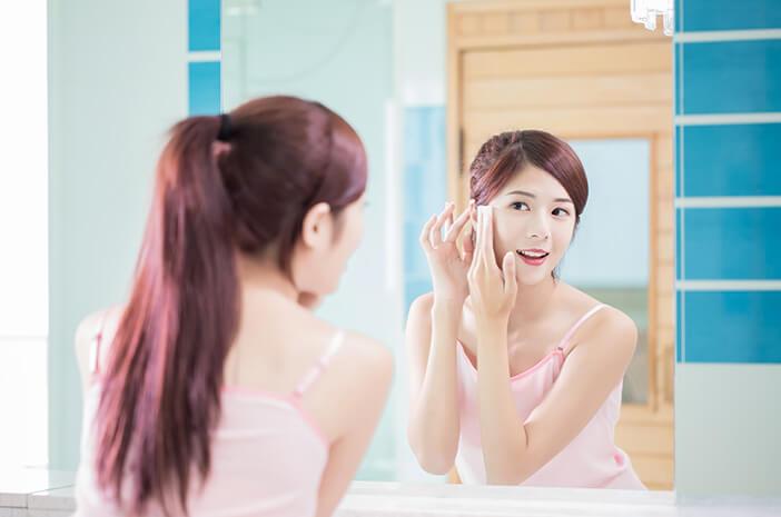 Malas Hapus Makeup? Waspada 6 Masalah Kulit Ini