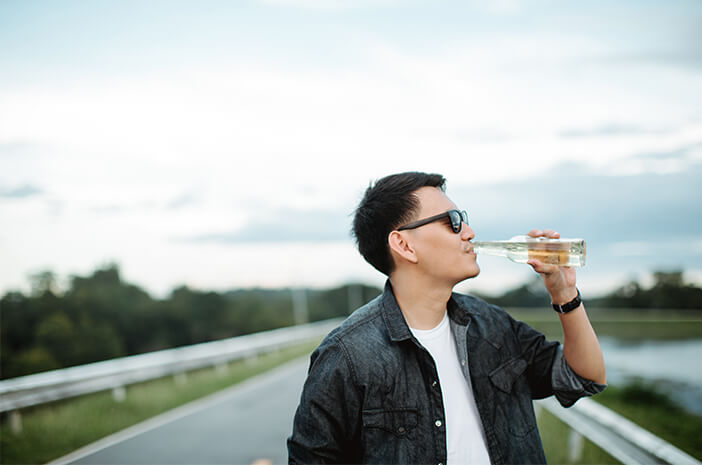 Mengapa Kecanduan Alkohol Sebabkan Impotensi pada Pria?