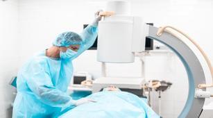 Menjalani C Arm Radiography Fluoroscopy, Apakah Risikonya?