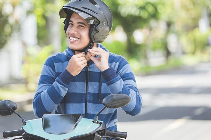 Naik Motor Enggak Pakai Helm Bisa Alami Trauma Kepala Ringan