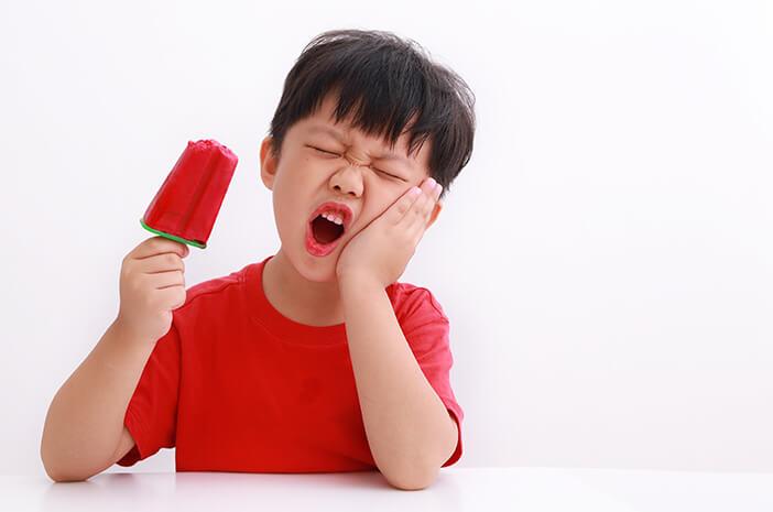 Orangtua Perlu Tahu, Faktor Risiko Radang Gusi pada Si Kecil